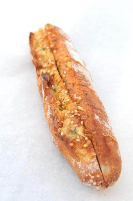 このパン:ねぎ味噌フランス