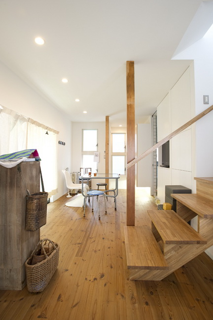 "<a href=""/and_w/life/gallery/renovation20161102/"" class=""TextLink""><strong>リノベーションの写真はこちら</strong></a>"