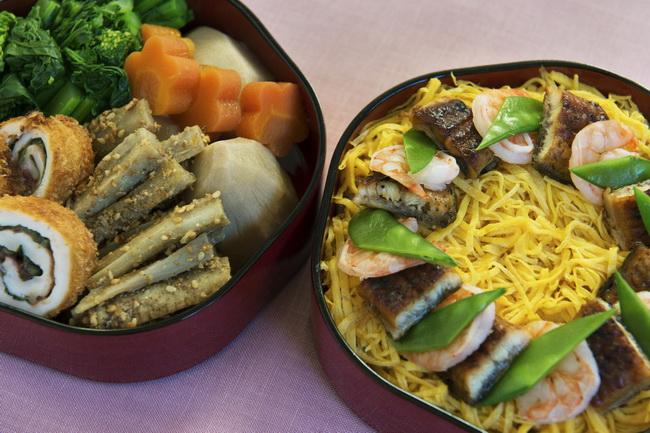 青菜とじゃこの混ぜご飯/ごぼう入りボールメンチ/千切りキャベツ/小エビとねぎ入り卵焼き/ポテトサラダ