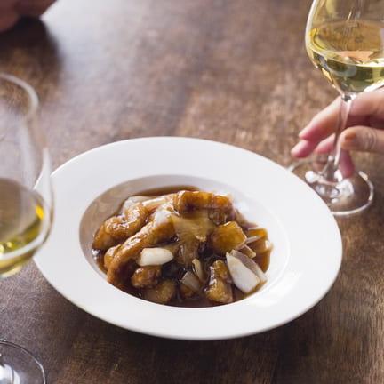 酢豚と黄色いワインの、運命的な出合い