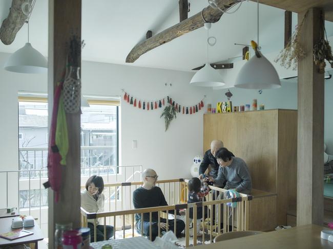 二世帯住宅+猫部屋、家族が集まる広い縁側