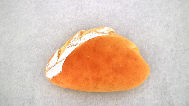ジャージー牛乳の牧場クリームパン