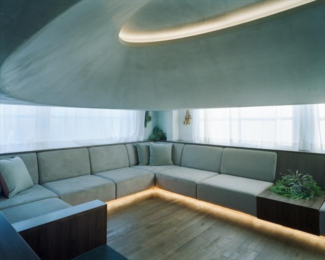 最上階のペントハウスを、究極にリラックスできる空間に