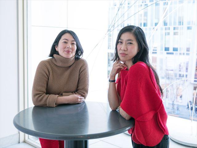 野村友里さん(左)とUAさん<br>撮影/山田秀隆