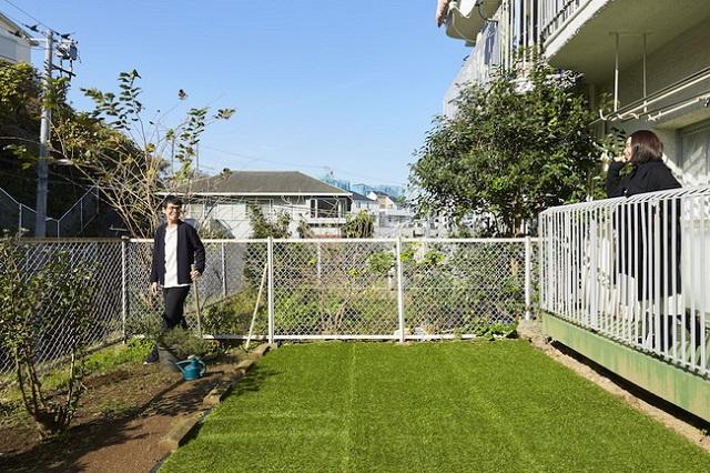 購入の後押しとなった広い庭。これから庭づくりをしていくそう