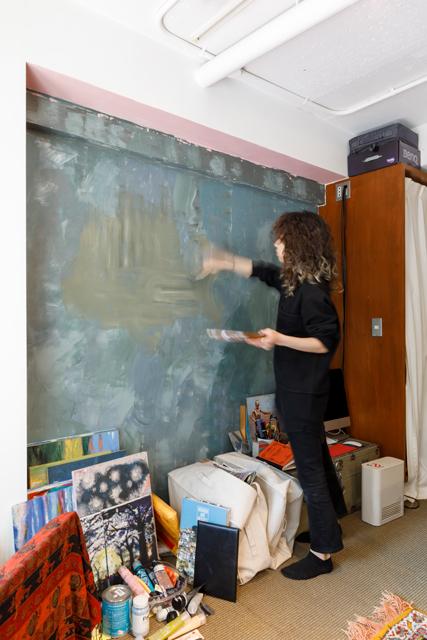 壁の一部を好きな色でペイント