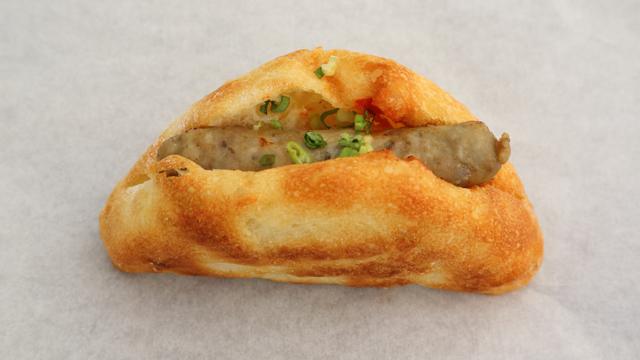 阿蘇自然ポークのサルシッチャ塩パンドッグ