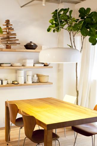 家具はリノベーションを機にすべて新調。統一感のある空間になった