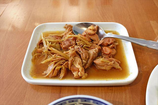 千切り生姜がたっぷりの鶏肉のおかず