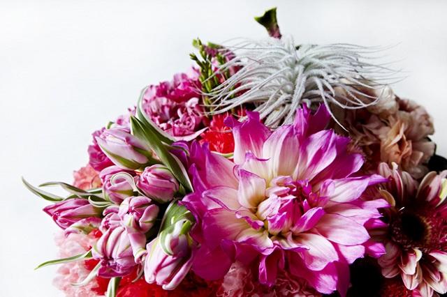 70歳の誕生日に贈る花束。「かわいらしいお花が似合う気がします」