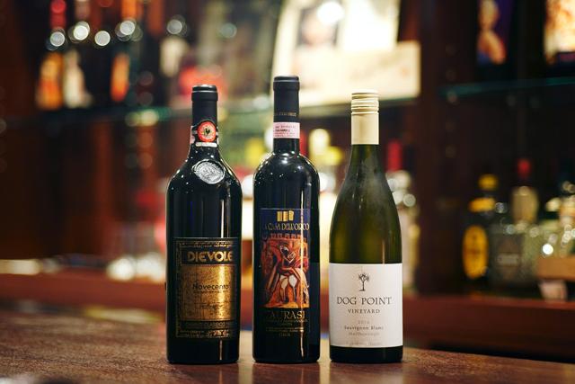 ワインのセレクトは「味的にもお財布的にも飲みやすいものを中心に」。鏑木さんの好みは優しい風味のニュージーランドのソーヴィニヨンブラン