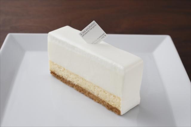 吉祥寺のケーキ屋「アテスウェイ」のフロマージュクリュ