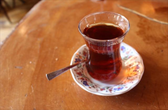 愛らしい器で出された紅茶