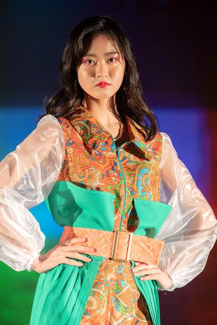 シエラレオネをイメージした衣装 ©Takuma Sekiguchi