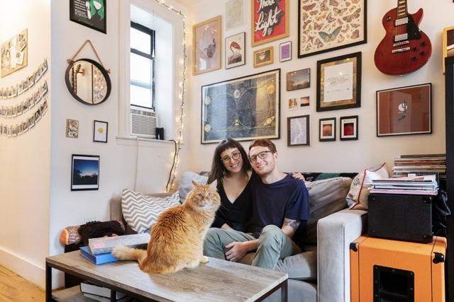 「猫は、基本的に自分のやりたいことをやりたいようにやって生きる。私たちとは偶然一緒に暮らすことになっただけ。だからケソが私たちに寄りそってきたりするしぐさが、とても特別なことに思えます」とブリジットさんとトミーさん