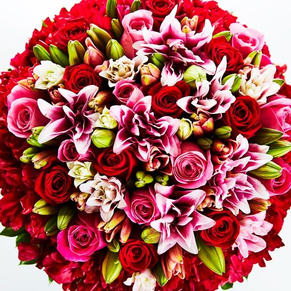 「君たちが結婚するまで……」 誕生日に年齢の数のバラを贈ってくれた父へ
