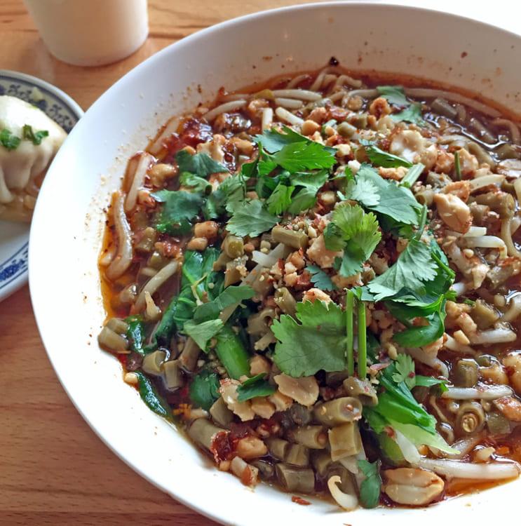 《パリの外国ごはん そのあとで。》Jixiao's Bunsの発酵ササゲ麺