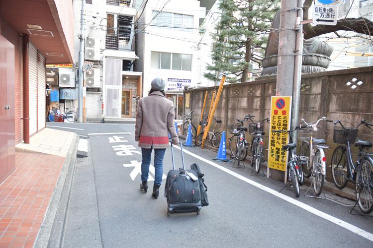 「東京の台所」は、散らかっていても、料理してなくてもいいんです