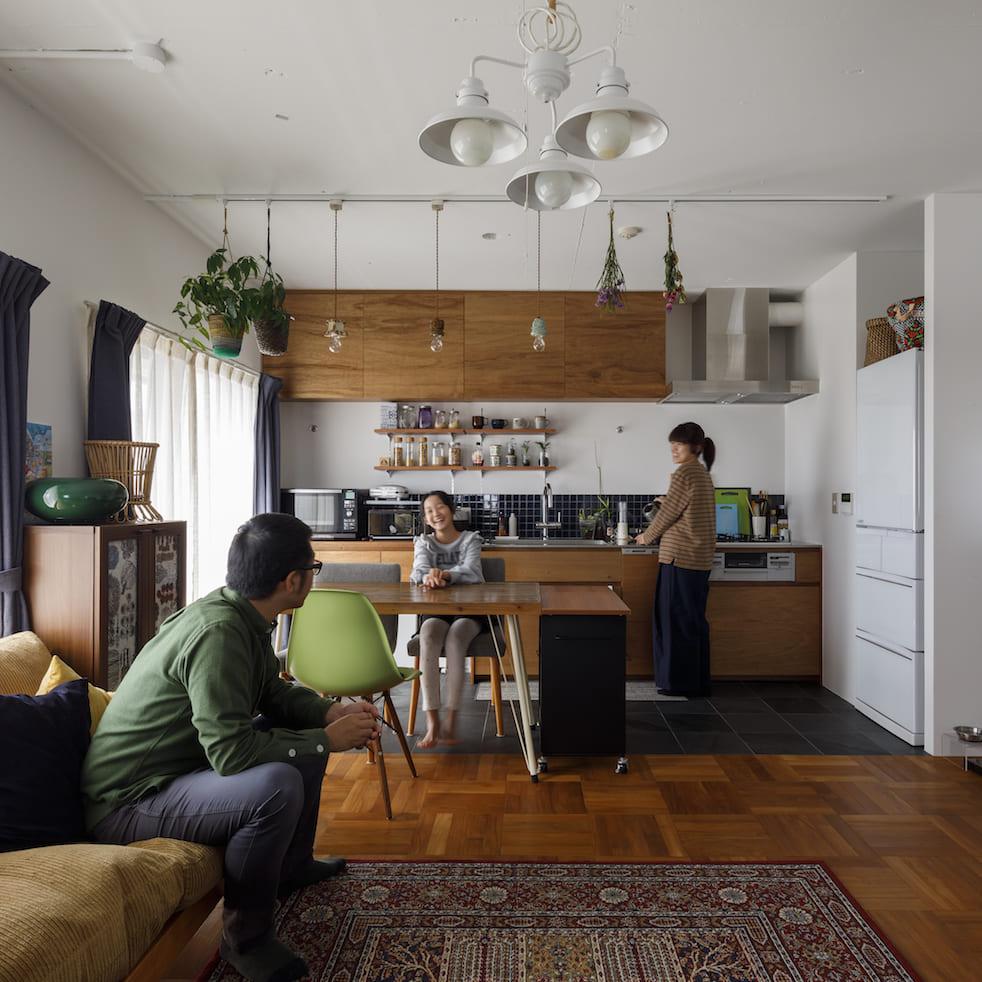 戸建てからマンションへ。サイズダウンしても狭さを感じない部屋