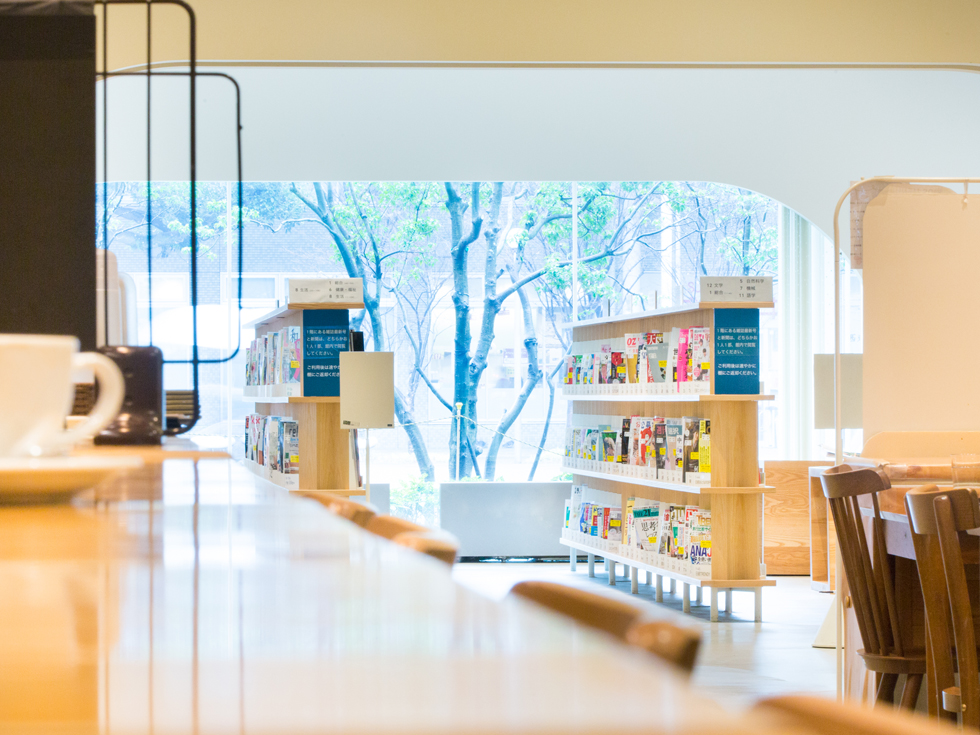 <109>名物はパンケーキ、長居も楽しめる図書館のカフェ 「Café Fermata」