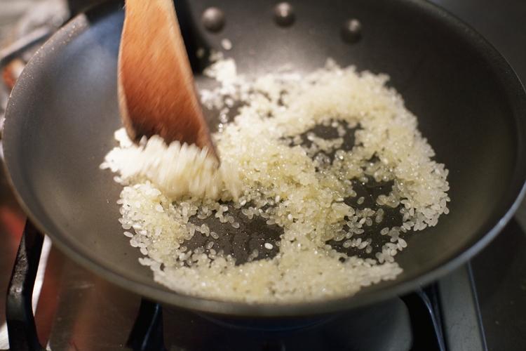 手作りチキンスープで作る、シンプルリゾット
