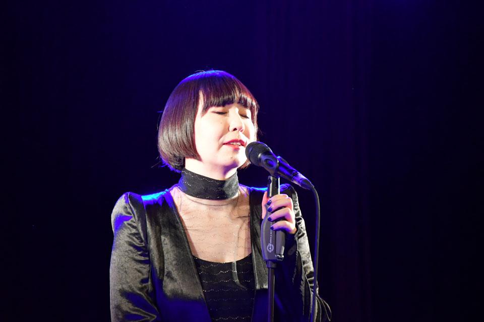 土岐麻子 最新スピーカーと一日限りのスペシャルライブ