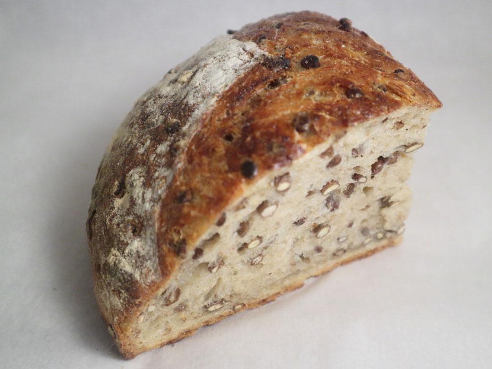 開店は不定期! ワインの「肴(さかな)」としてのパン/さかなパン店