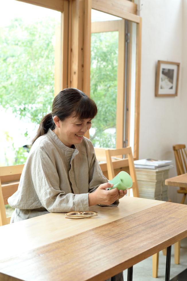 〈ものはうたう〉「ファイヤーキング」のマグカップ 上野朝子さん
