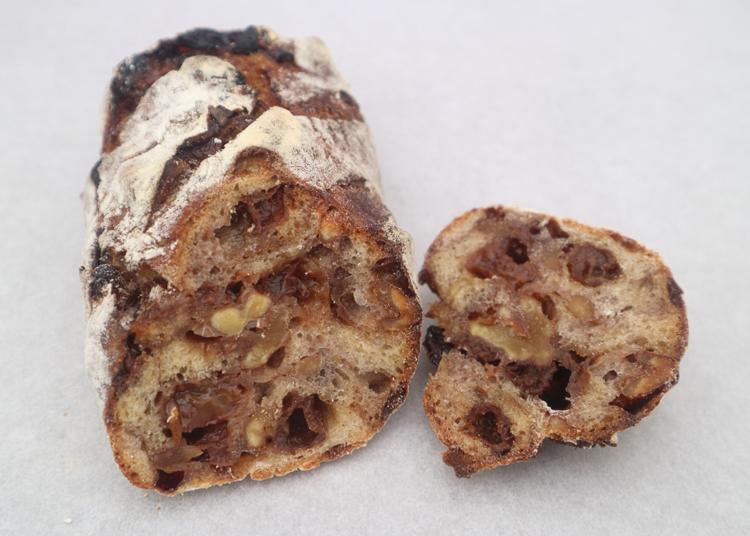 本格ハード系と焼きそばパンが同居!パンマニアにもおばあちゃんにもやさしいパン屋/市東製作所