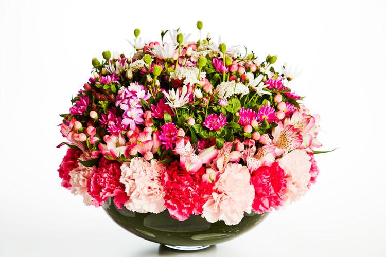 【東信さんの『花のない花屋』】親に贈りたい花束と物語