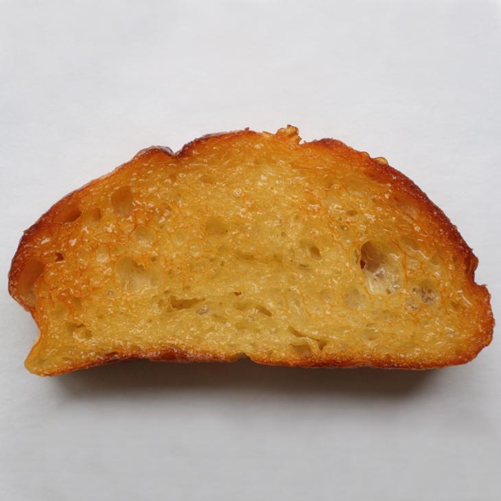 「1日600個売れた」ハニートースト。激戦区・神戸で台風の目となるパン屋/バカンス