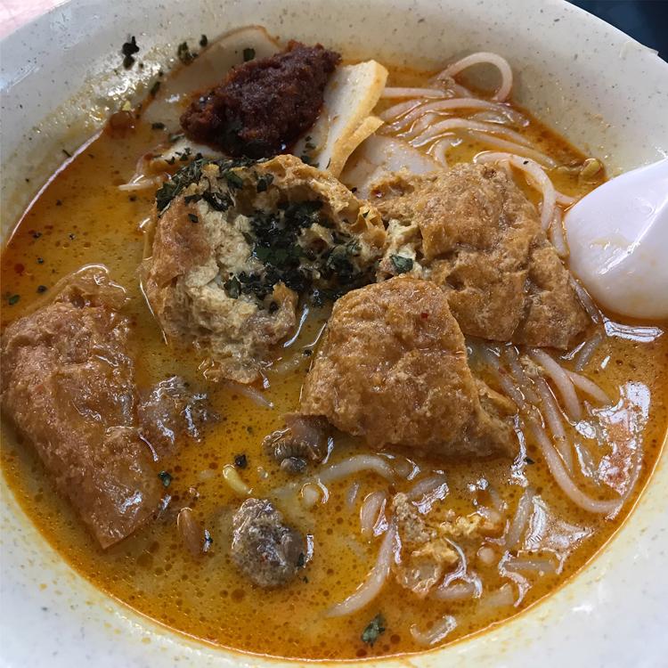 シンガポールで、世界一好きな「ラクサ」を食べまくる