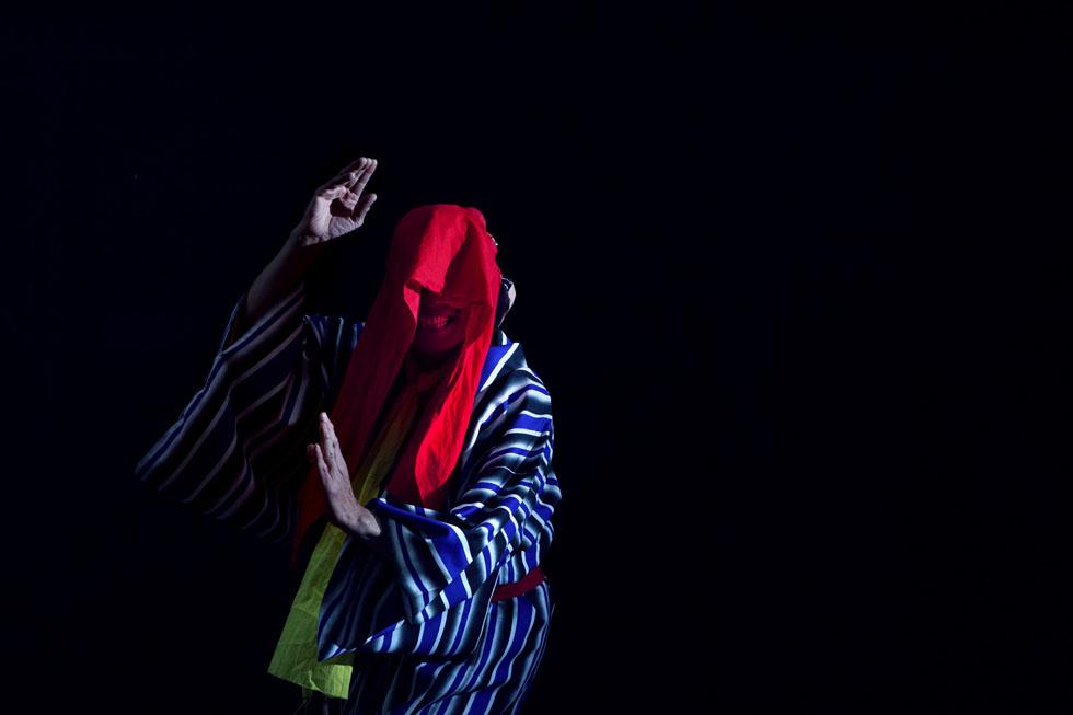 岩根愛写真集『KIPUKA』~ハワイと福島、ふたつの土地で生きる尊い魂の踊り~