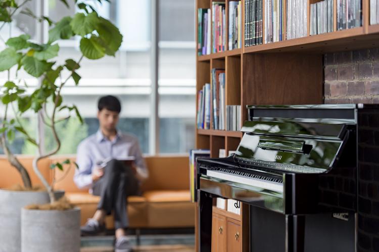 アコースティックとデジタルを融合させたハイブリッドピアノが、極上の演奏をかなえる