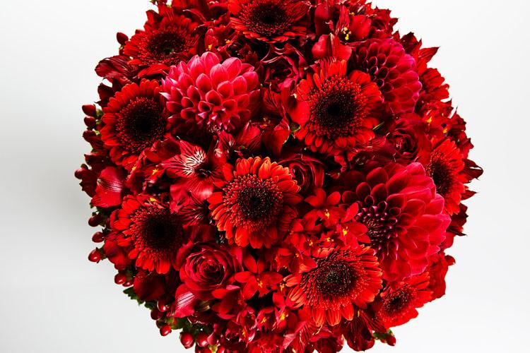 結婚を機に知り合いのいない地域へ。うつになった私を支えた夫へ花束を