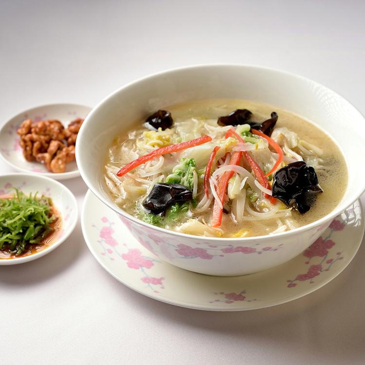 「登龍 麻布店」の湯麺(タンメン) 保坂知寿さん