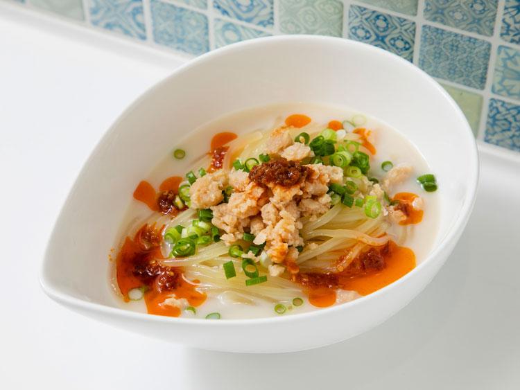 「冷麺ダイニング つるしこ」のベジタブル特濃豆乳冷麺 ソニンさん