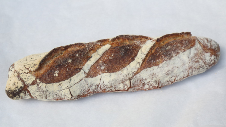 名物は食パン。次の「パン飲み」はここから始まる!/Cise