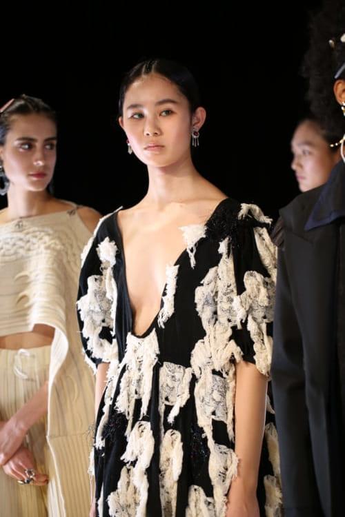 ファッションデザイナーの道に誘った一着のトップス 小高真理さん