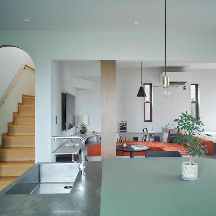 家具を含めてトータルでコーディネート。エリアを絞った一戸建てリノベーション