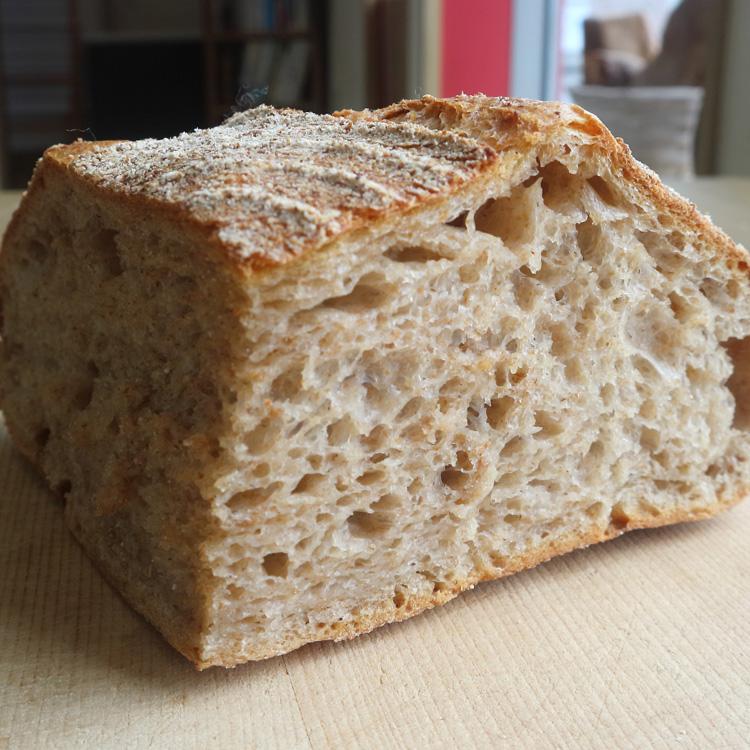 崩れ去る全粒パンへの先入観。ナチュラルな酸いと甘いを噛む喜び/ひととわ