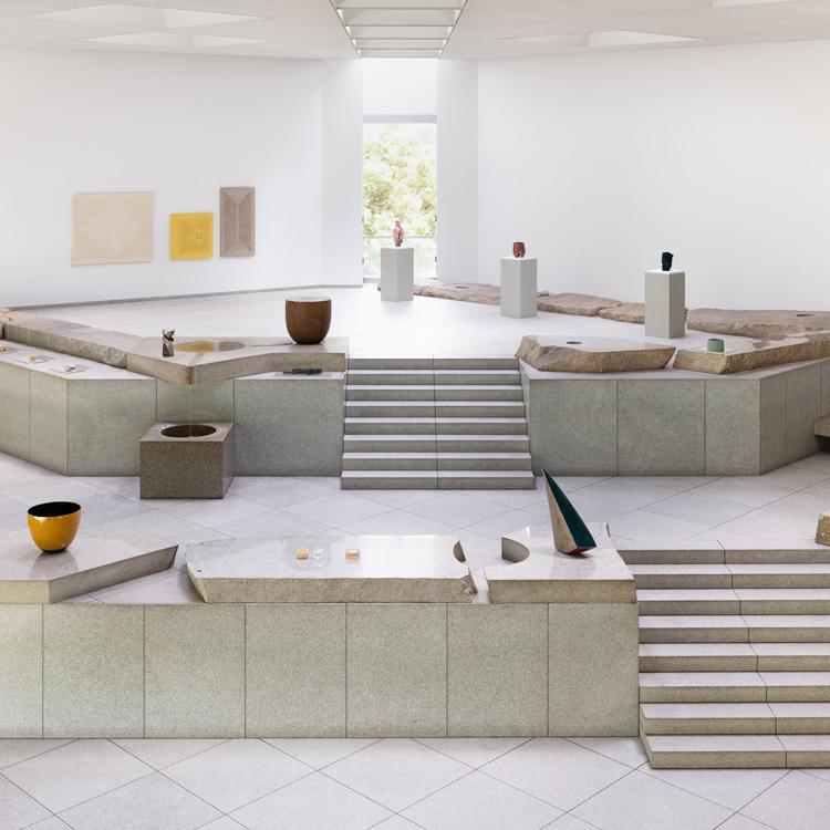 「ロエベ クラフト プライズ 2019」イサム・ノグチの石庭で展示