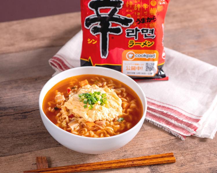 「農心ジャパン」の辛ラーメン(袋麺) 長与千種さん