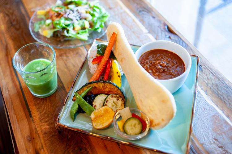 葉山でゆっくーり、旬の三浦野菜ブランチ「H and Cafe(アッシュアンドカフェ)」