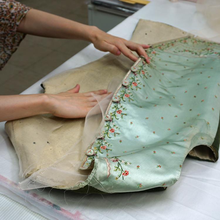 直した衣服、時を超える 京都服飾文化研究財団・補修室