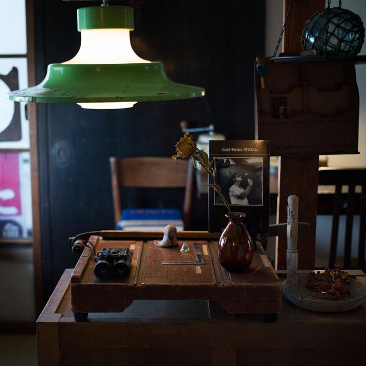 深夜まで人が集まる一軒家カフェ 「珈琲杖」