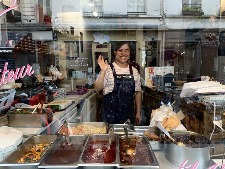 《パリの外国ごはん ふたたび。》まだあった! バリッと力強い揚げ春巻きに歴史が香るベトナム総菜店/Minh Chau