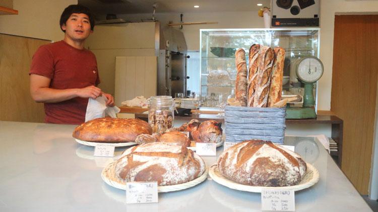 国産小麦ごとにバゲットを味わう。パン飲みバル「さかなパン店」ついに常設化!/チェスト船堀