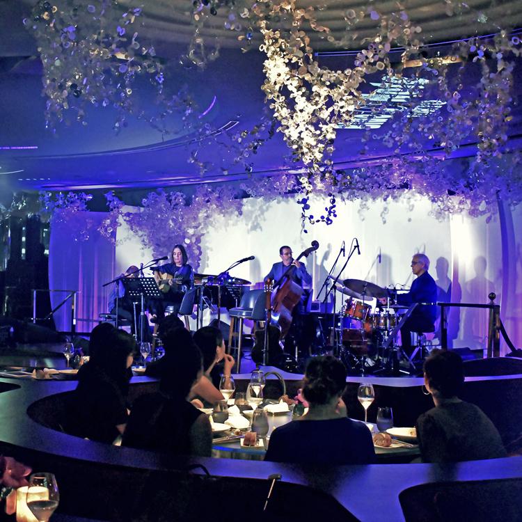 極上の音楽と、料理と、ドン ペリニヨンを。ペニンシュラとブルーノートが贈る特別な夜
