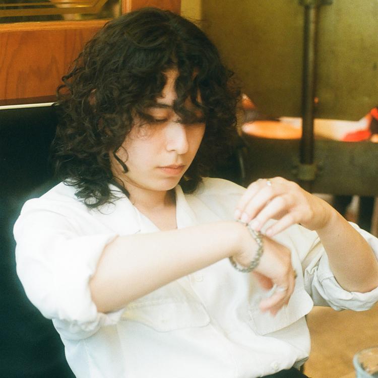 5年間肌身離さない母からもらったイラン製の腕時計 RIONAさん